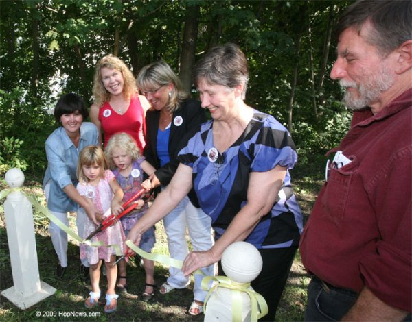 2009.09.13 Hopkinton center_trail_reopening